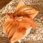 紀文寿司 - 赤貝。酢洗いしてアッサリと