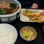 吉田麺業 - 料理写真:  きしめんセット 880円