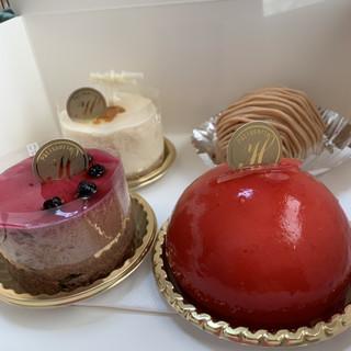 ラ・エトレー - 料理写真:綺麗なケーキ達
