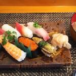 玄海鮨 - 竹にぎりに貝汁が付きます