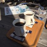 CAFÉ umie - テラス席でコーヒー