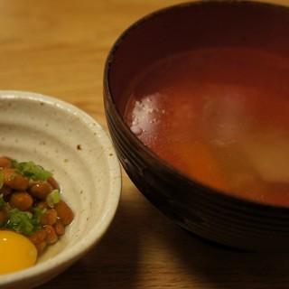 鳥樹 - 料理写真:お通し&サービスのスープ。これがまた絶品♪