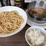 なな屋 - 料理写真:濃厚つけ麵 + ライス(小)