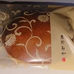101186082 - 栗入りのどら焼きの西の木の月(税込280円)