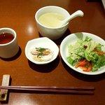 上海酒家 岳 - スープ・サラダ・小鉢(?)