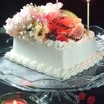 テイストシックス - 好評のお誕生日ケーキ!!素敵な時間を素敵な思い出に…