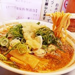 上町ラーメン - 太麺は少しカタメでお願いしました