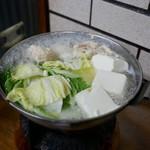すき焼・鍋物 なべや - ☆鶏水炊き 930円