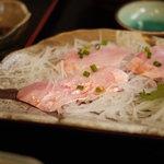 久六 - 2011/10 金目鯛刺・揚定食の刺身