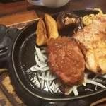101201365 - ハンバーグとチキンステーキのセット                       スープ飲み放題、ライス(大盛OK)付き