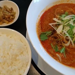 ソンヨン - 料理写真:担々麺と白飯