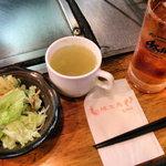 10121261 - ランチのサラダとスープ