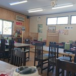 魚忠食堂 - お店の中の様子