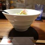 めーめー麺 - サイドビュー(19-02)