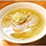 中華そば 来味 - 料理写真:にぼしラーメン 650円 食べ進むほどに美味くなっていくかのようなラーメンです。