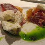 hiroto - タルト割りました 食材の色使いが美しい!