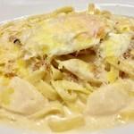 Meat & Wine イタリアンバールDari - アスパラのビスマルク風ホワイトソース