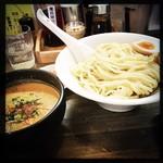 麺屋 承太郎 - 料理写真:期間限定 鶏味噌つけ麺。大盛り。