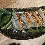 三田製麺所 - 餃子380円