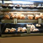 鶏三和 - 唐揚げも豊富に揃っています