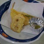 三保園ホテル - 揚げ物。魚はフグでした。三保園ホテル(静岡市)食彩品館.jp撮影
