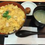 鶏三和 - コーチン親子丼