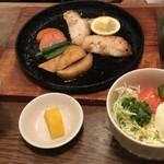 101226564 - 白身魚のバター焼き定食(1,000円)