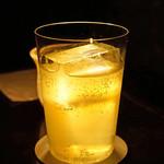 カルーソー - 酢橘チェッロのソーダ割り