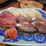10123273 - お寿司もおいしんですよ。