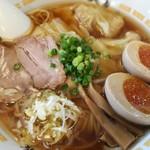 麺房大喜 - 海 醤油ワンタン麺 煮玉子トッピング