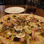 オリーブツリー - (2011/9月)ピザ「クワトロフンギ」