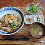 ファミリーレストラン - 五目うま煮丼