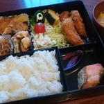 作喜 - 料理写真:日替りランチ(600円)