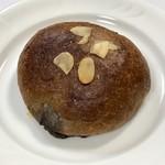 101250794 - チョコレートクリームパン