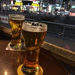 MORRIS'HIPPO - ビールに中州の夜景が映り込みます