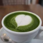 ラヴィサンカフェ - 抹茶ラテアップ