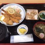 さくら家 - 料理写真:特大えびフライ膳 ¥1350