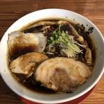 麺匠 中うえ  - 料理写真:淡麗醤油らーめん♪