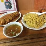 101263166 - カレー風チャーハン(大盛り)+揚げ餃子