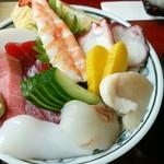 卯月寿司 - ちらし中