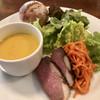 チェリー - 料理写真:ランチについてくる前菜とスープ