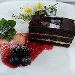 高澤記念館 - チョコレートケーキのカラクです♪