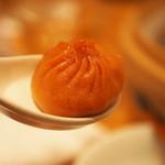 Paradaisudainashithi - 蟹の卵の小籠包