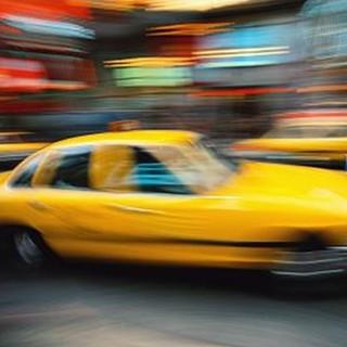 少しお店まで遠くても…来店時にタクシー代をサービス!