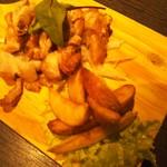 101278354 - 鶏肉の黄金焼き