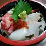よしの寿司 - 海鮮丼