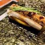 101289284 - spécialité:鰻 フォアグラ マンゴー  巻いて食べてね