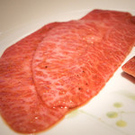 華火 - 『ミスジの炙り タレ』¥920円 炙るのには少し厚いかなという印象。ミスジということもありとても柔らかかったです