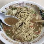 かしい亭 - ワンタン麺650円!