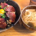 大衆酒場 さわ村 - まぐろ丼(800円)